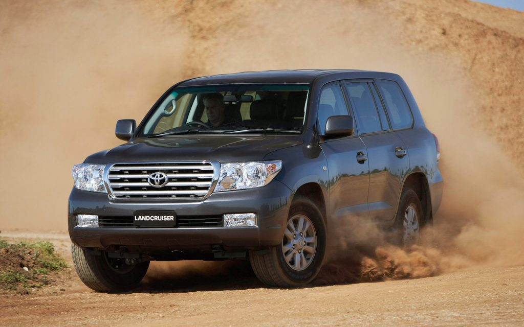 Auto___Toyota_Photo_of_a_car_Toyota_Land_Cruiser_200__062423_